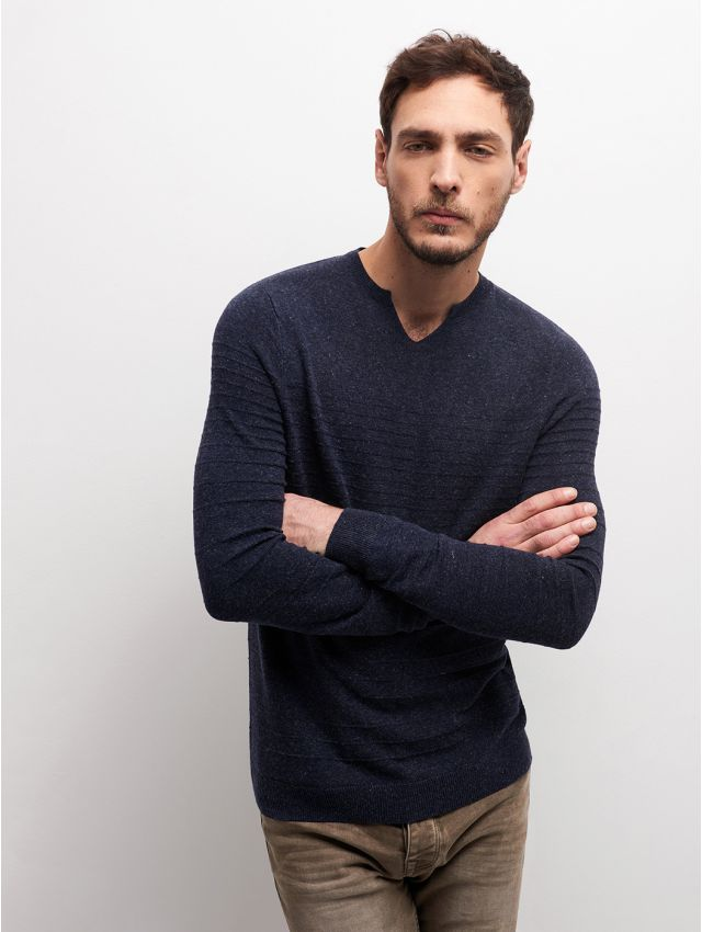 Pull homme col goutte
