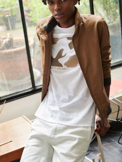Tee shirt à motif placé devant  - Image 9